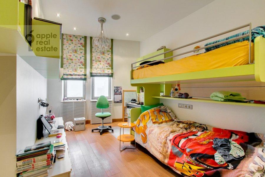Bedroom of the 6-room apartment at Leninskiy  pr-t. 106k1