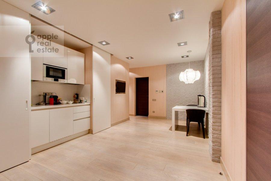 Walk-in closet / Laundry room / Storage room of the 6-room apartment at Leninskiy  pr-t. 106k1