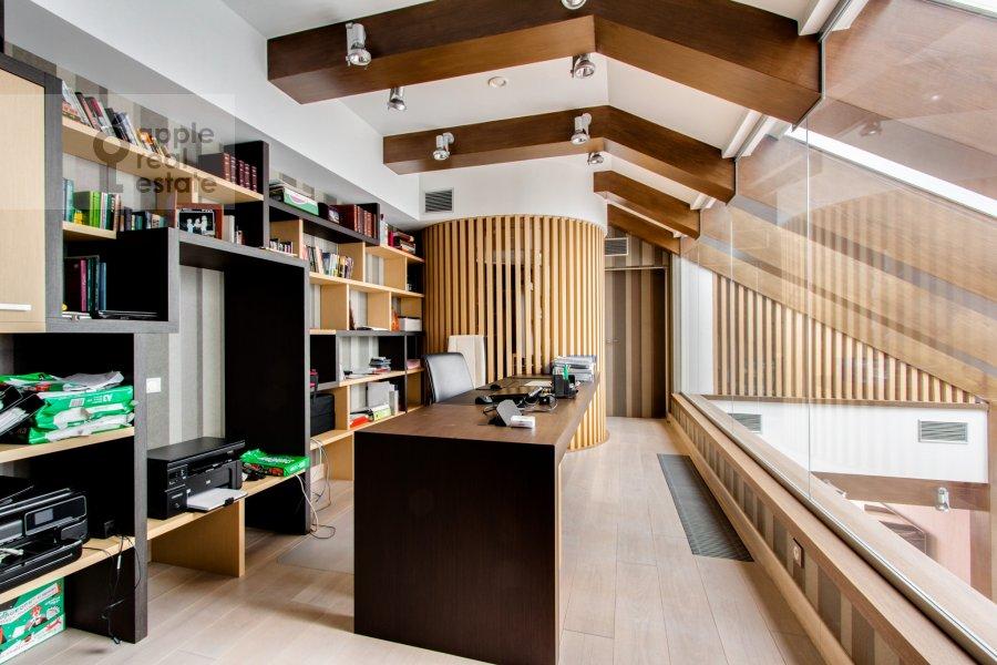 Children's room / Cabinet of the 6-room apartment at Leninskiy  pr-t. 106k1