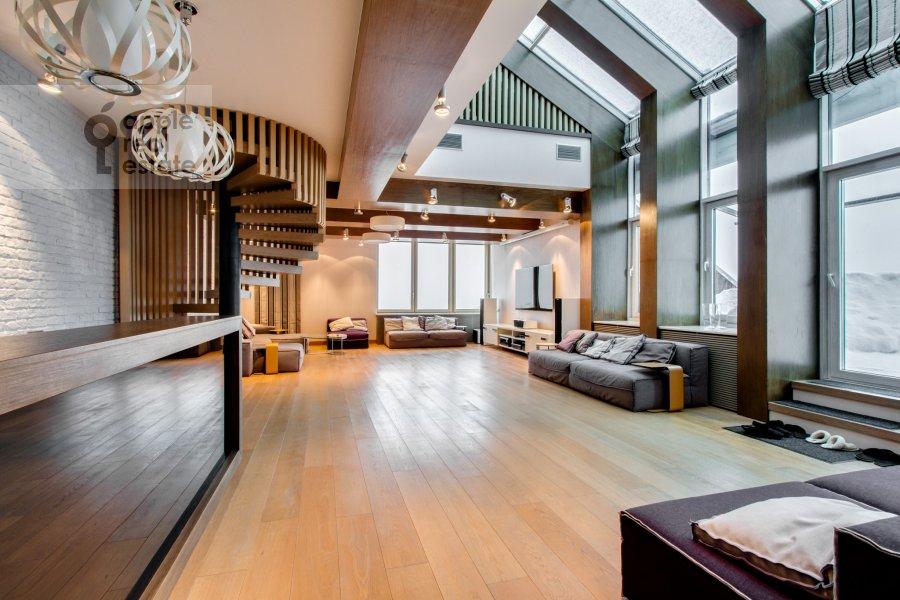 Living room of the 6-room apartment at Leninskiy  pr-t. 106k1